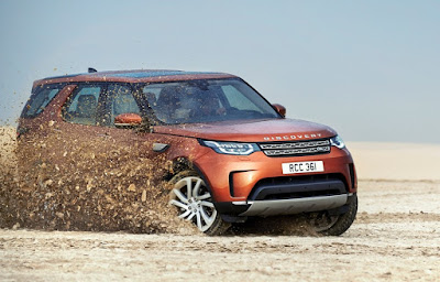 2017 Land Rover Discovery off road SUV