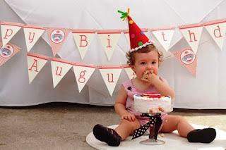 Foto Bayi Lucu Ulang Tahun