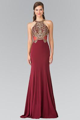 Halter Dress adalah gaun yang tali penggatungnya tidak lewat bahu melainkan menggantung dan melingkar pada bagian leher penggunanya, sehingga jenis gaun ini dapat dipastikan backless dress.
