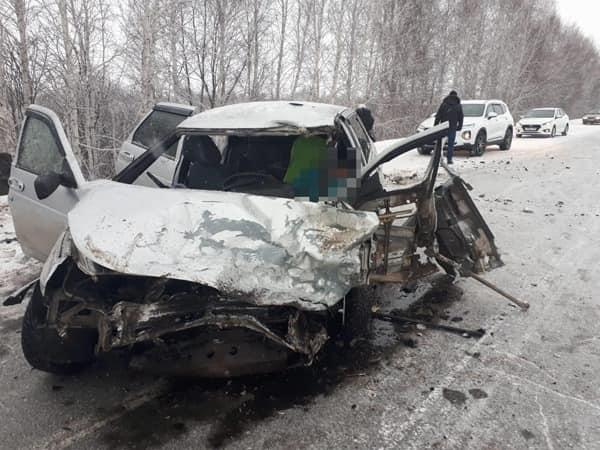 В Учалинском районе произошло столкновение ГАЗели и ВАЗ-2112