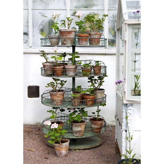 Home garden la f e cas ine une d co vintage industrielle - Objet deco pour jardin ...