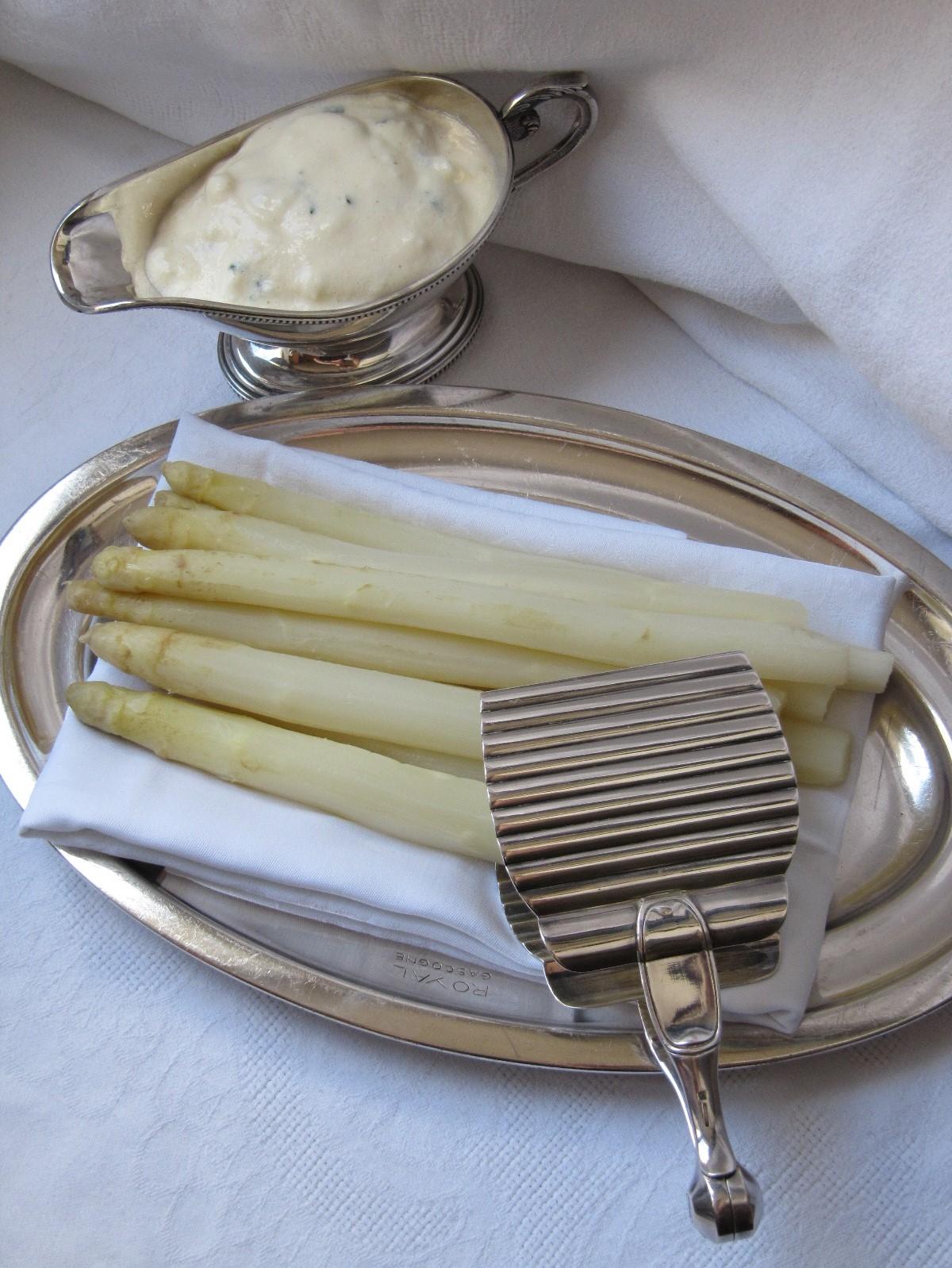 La cuisine d 39 ici et d 39 isca asperges sauce mousseline - Une mousseline en cuisine ...