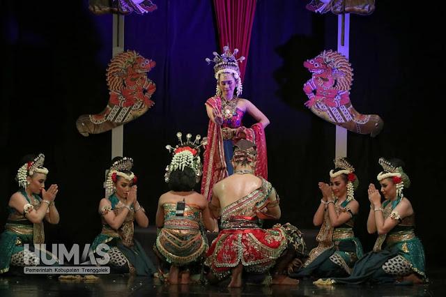 Drama Tari Prahara Mustikaning Tumpuk Menjadi Masterpiece Gelar Seni Budaya Kidung Katresnan Ing Bumi Trenggalih