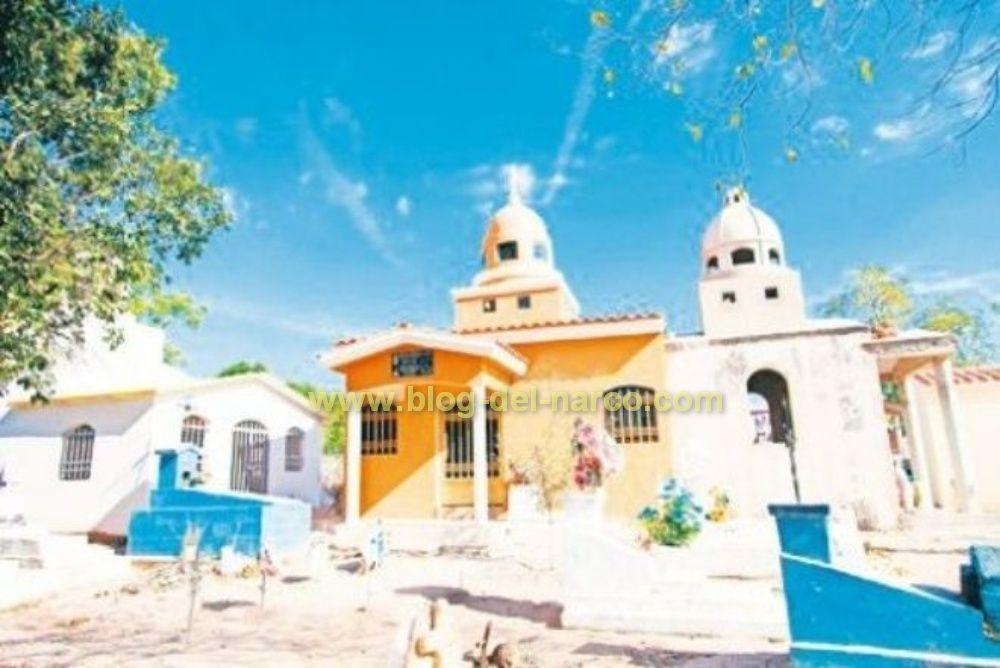 Así lucen las tumbas de los gruperos famosos en Sinaloa Valentín Elizalde, Ariel Camacho, El Chalino Sánchez son algunos