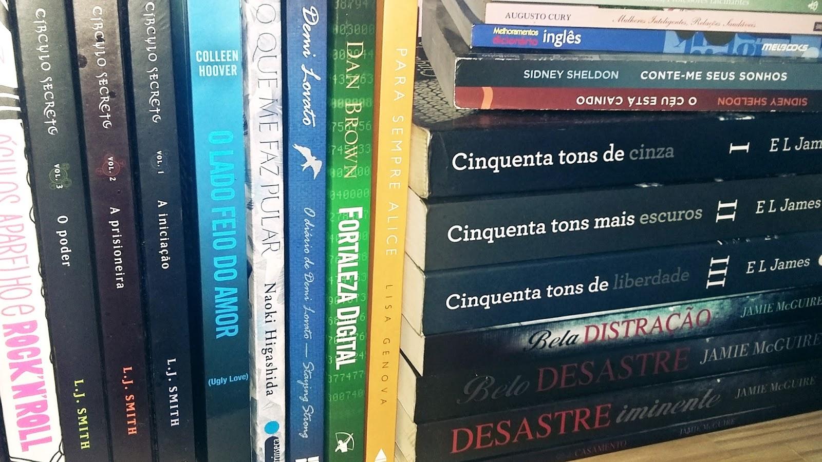 Tour pela minha home office e bookshelf tour