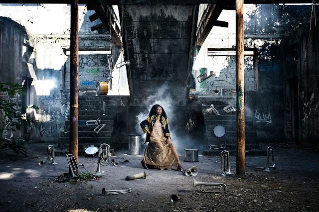 Natura apresenta primeiro álbum solo de Xenia França