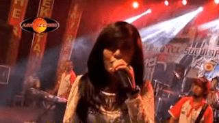Lirik Lagu Happy Asmara - Kelayung Layung