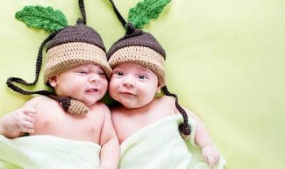 Rangkaian Nama Bayi Kembar Islami Terbaru