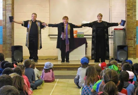 Magic Carpet Theater Performance Encourages Imagination and Reading