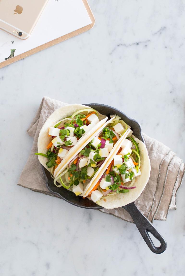 almuerzo-saludable-llevar-tacos-queso-feta