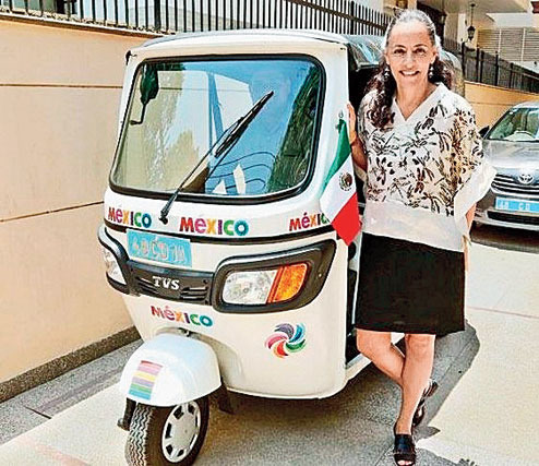 Mexican ambassador Melba Pria, who gets around in New Delhi, in a white-colour CNG auto-rickshaw, has become a trendsetter.    Many other ambassadors stationed in New Delhi including US Ambassador Richard Varma want to follow her lead, reports The Telegraph quoting diplomatic sources.   Last November, Richard Varma, along with a colleague, Samantha Power, had reportedly hailed an auto-rickshaw to attend a meeting, signalling his readiness to start using the three wheeler.