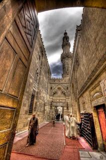 Bila Dunia Diagungkan Terdindinglah Keberkahan Quran