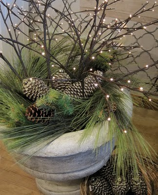 C b i d home decor and design get ready for christmas meet the humble pine - Decoration avec des pommes de pin ...