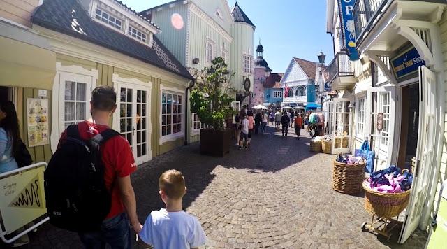 europapark, europa park, wakacje z dzieckiem, park rozrywki dla dzieci, podróże z dzieckiem, rollercoaster, globtroterek, park rozrywki w niemczech