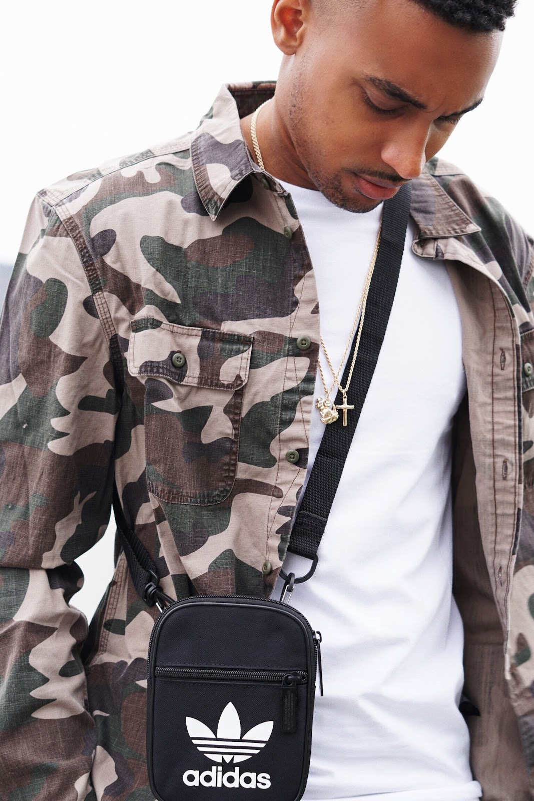 mens fashion crossbody bags bags guys should wear street style how to wear a crossbody bag