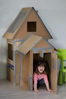 casita para niños hecha de carton