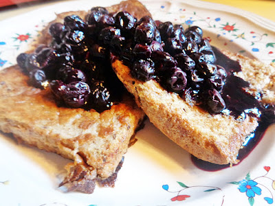 VEGAN FRENCH TOAST (WITH NO NEED FOR EXPENSIVE EGG REPLACER PRODUCTS) WITH VERY LOW-SUGAR BLUEBERRY SAUCE