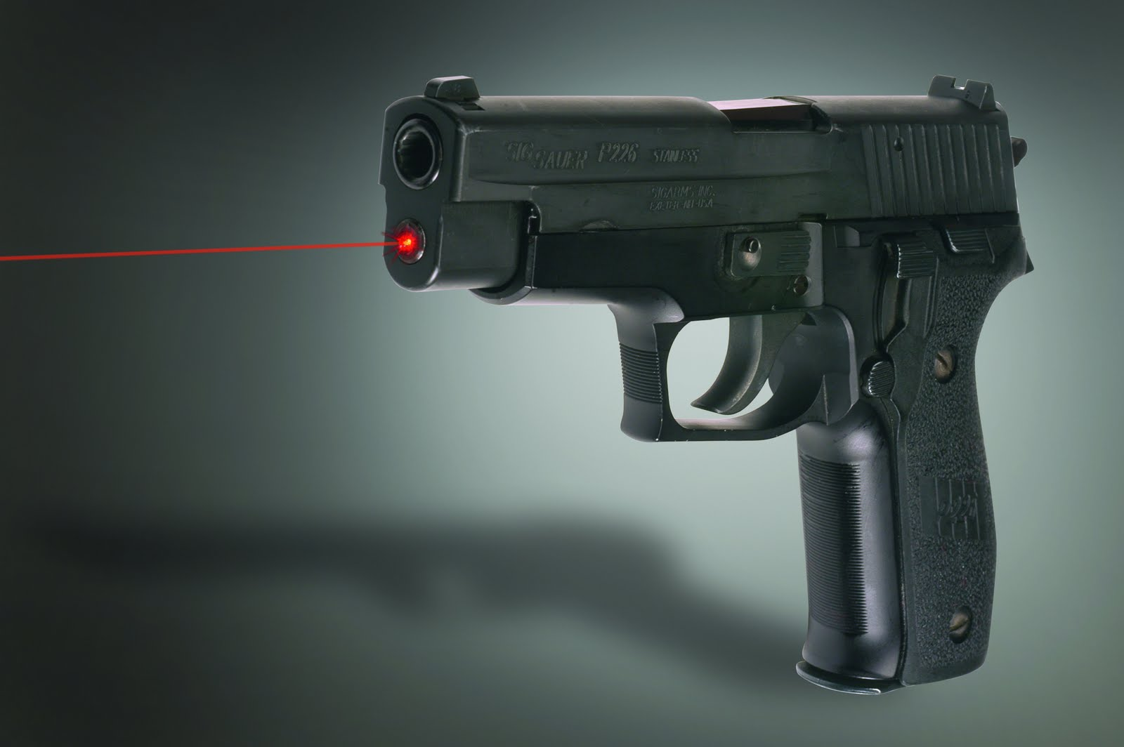 Wallpaper Pistols Sig Sauer P226 Army: Sig Sauer P226 HD Wallpapers