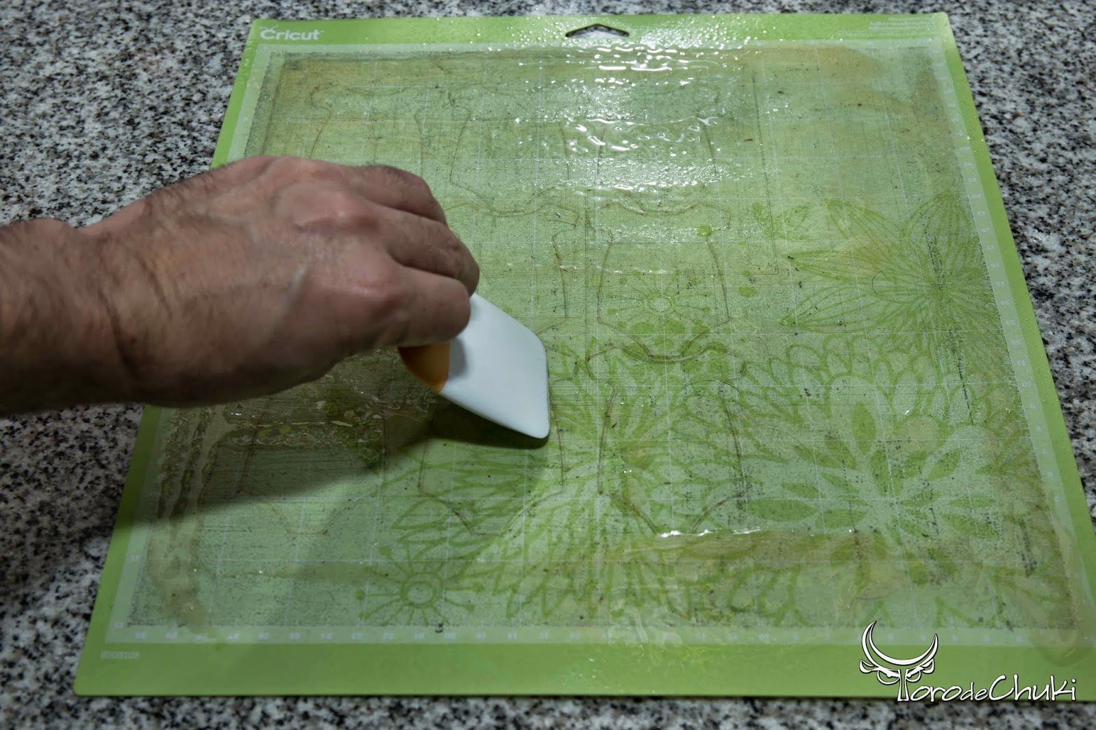 Awesome Svgs Refurbish Your Cutting Mats