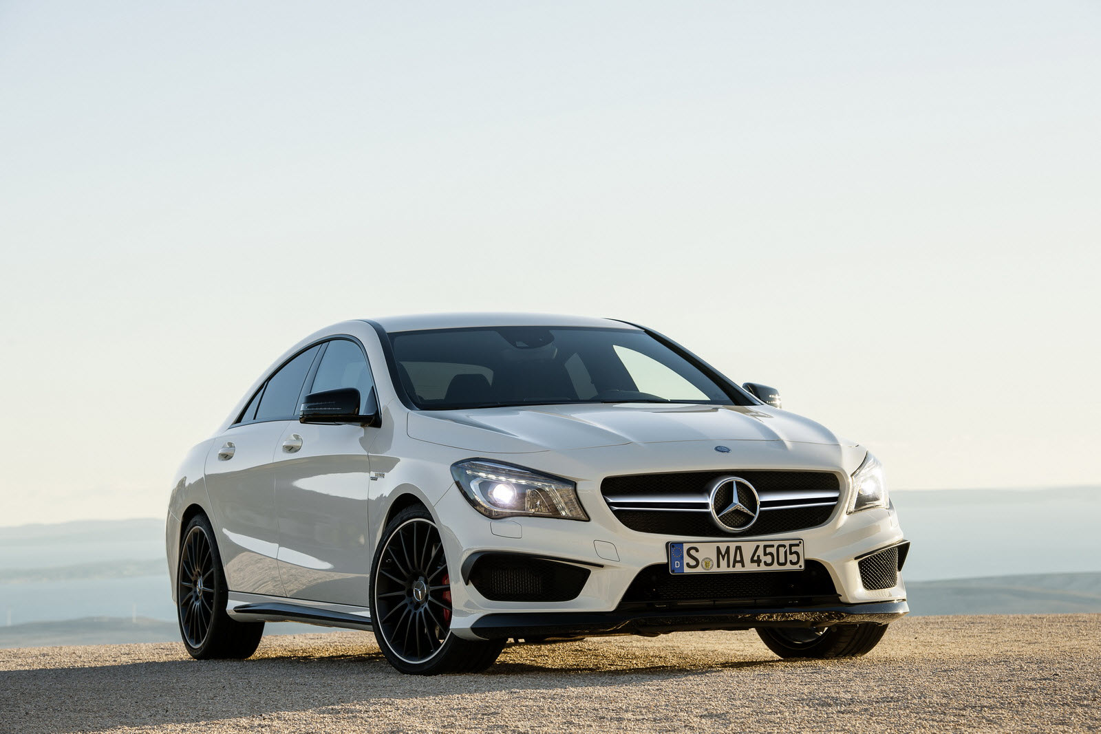 the mercedes benz cla 45 amg design meets driving performance. Black Bedroom Furniture Sets. Home Design Ideas
