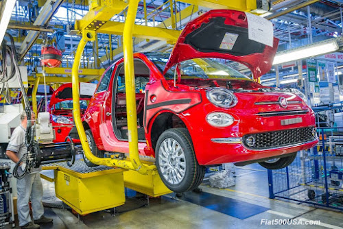 Fiat 500 being manufactured