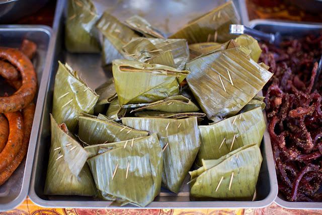 Đây là một món ăn không thể thiếu trong bữa ăn thường ngày của người Lào và cũng là một món ăn đặc sắc mà người Lào sử dụng lá chuối để chế biến các món ăn của mình.
