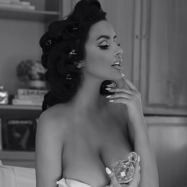 Abigail-Ratchford-iconic-picture-Instagram