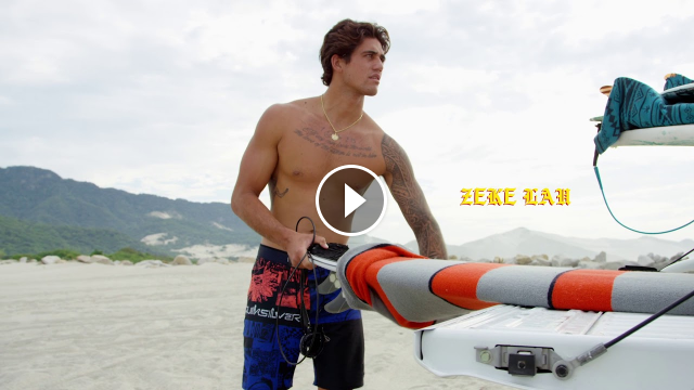 SURFING IN SALINA CRUZ MEXICO
