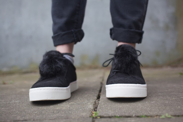 statement shoe, pom pom trainer
