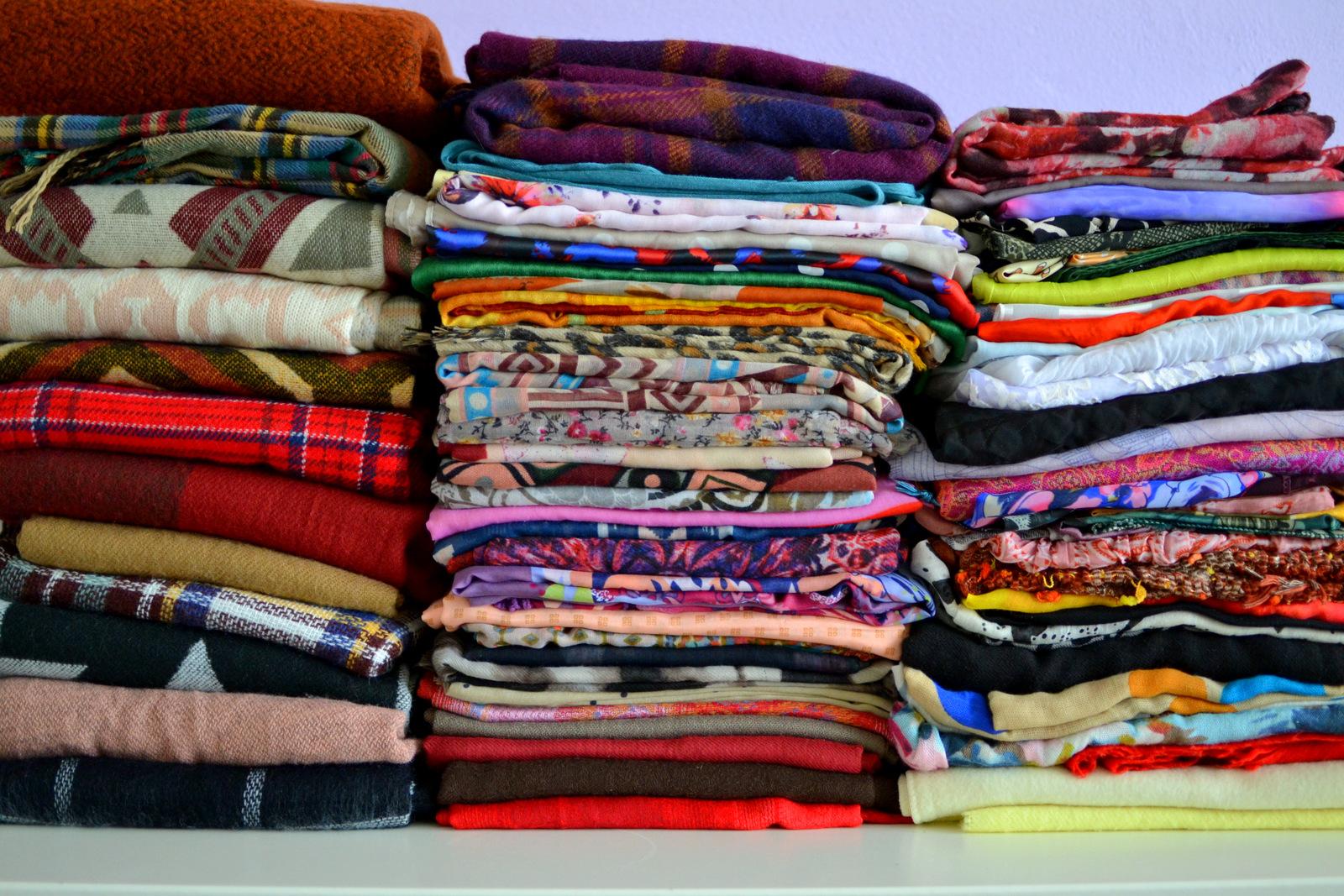 b4e14ebbc šatka ako môj najobľúbenejší módny doplnok // my collection of scarf. Svoju  zbierku šatiek a šálov som ...