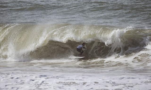 28 2014 Moche Rip Curl Pro Portugal Matt Wilkinson AUS Foto ASP Damien%2B Poullenot Aquashot