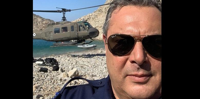 Δεν χάνει ευκαιρία για selfie ο Καμμένος – Γιατί βρέθηκε στη βραχονησίδα Σύρνα