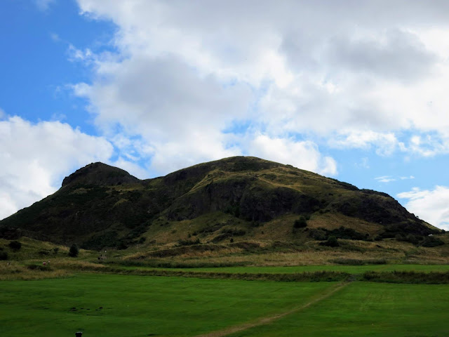 Summer in Edinburgh: Hike Holyrood Park