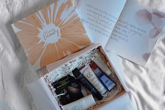 Look Fantastic April Beauty Box | WHAT'S INCLUDED