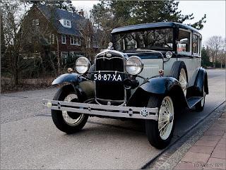 www.fertilmente.com.br - Para Comparação com o Airflow, um Ford V8, sucesso de vendas na década de 30
