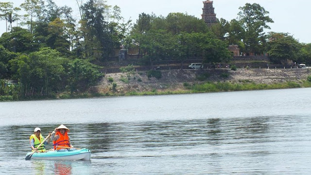 Great places to go kayaking in Vietnam 6
