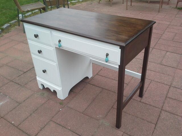 http://lillyshomedesigns.blogspot.com/2016/07/traditional-modern-bohemian-desk.html
