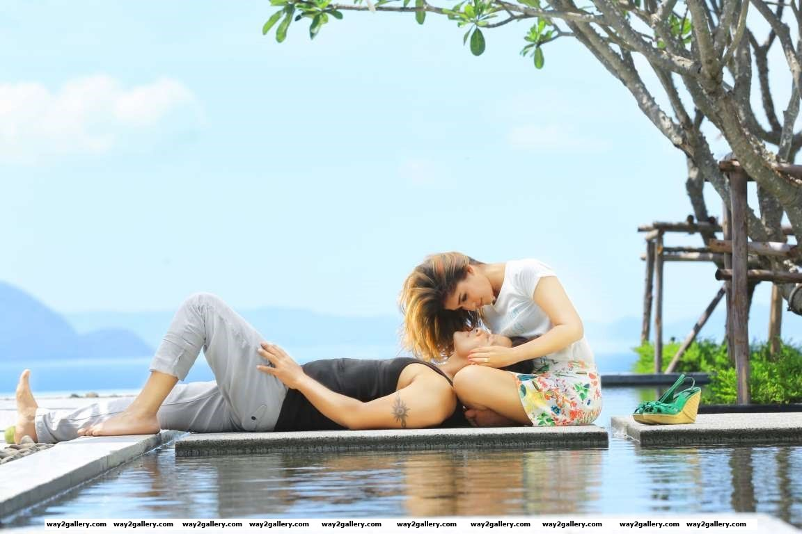 Vikram and Nayantharas chemistry is off the charts in this new still from Iru Mugan