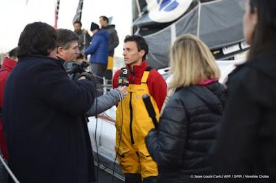Vendée Globe : Didac Costa revient aux Sables
