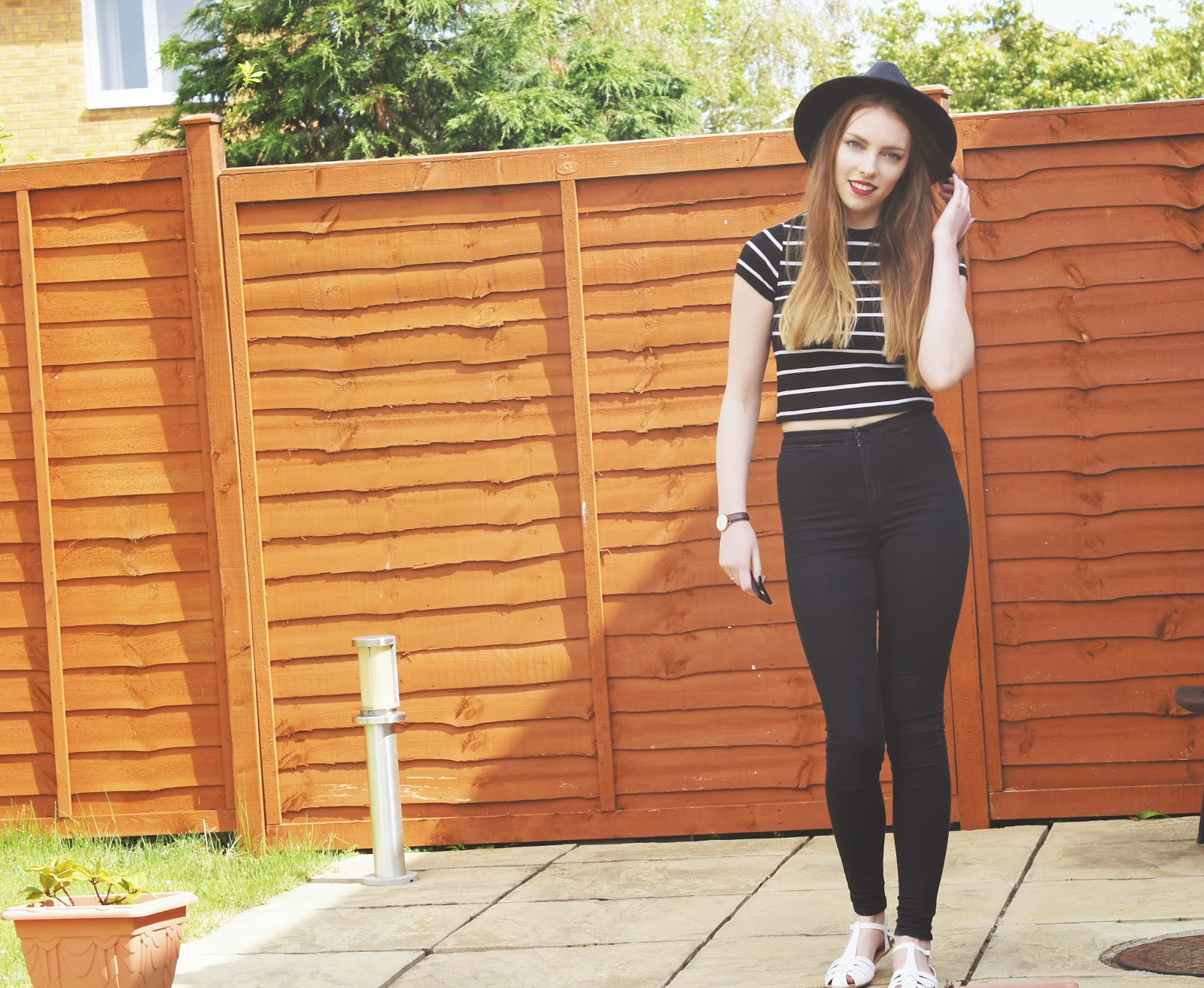 black joni jeans and striped crop top