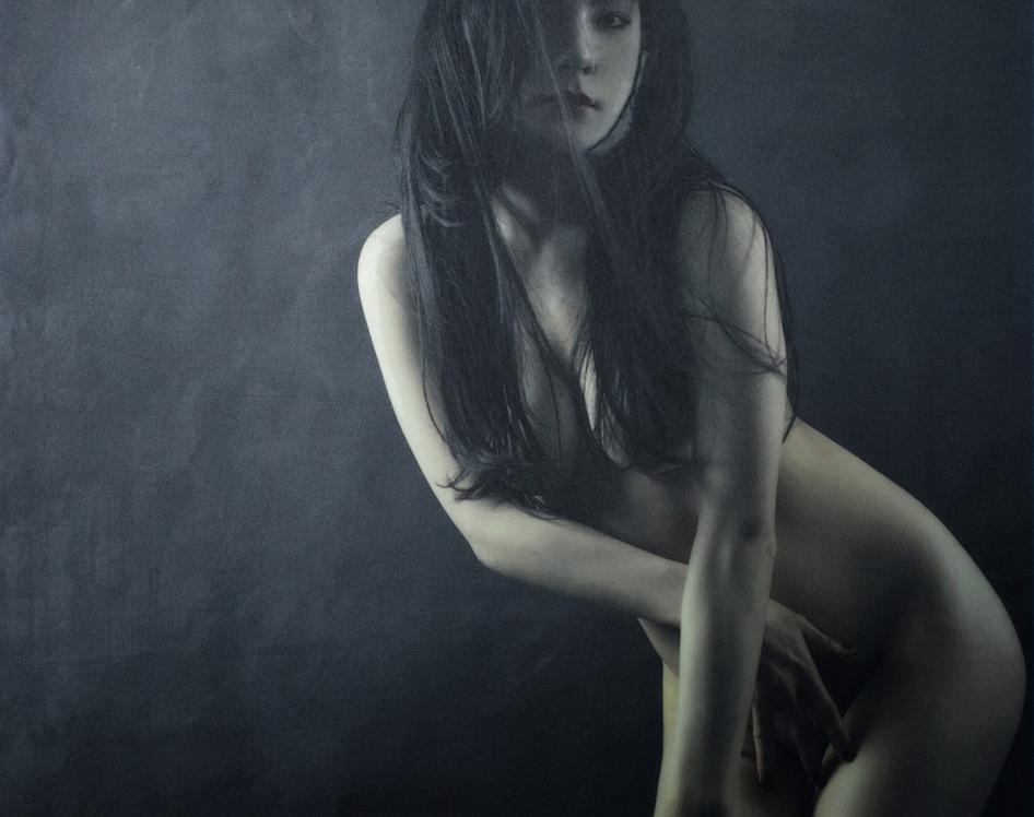 experto mujer desnudo