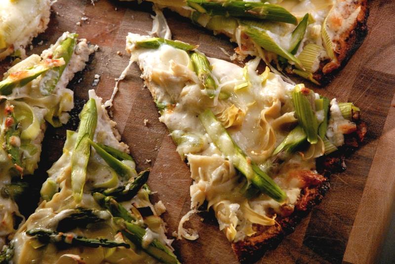 spring veggie white pizza cauliflower crust gluten free