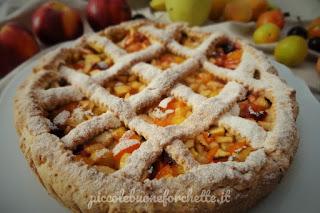 foto torta con frutta di stagione