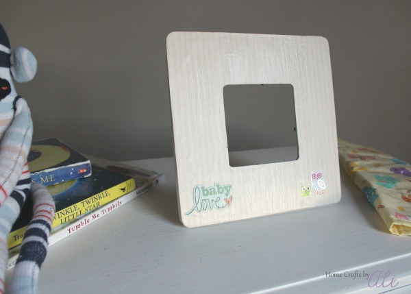 make your own photo frame for a baby gift