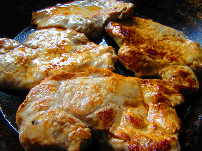 Pork casserole with shallots and potatoes by Laka kuharica: brown the chops on each side in a frying pan.