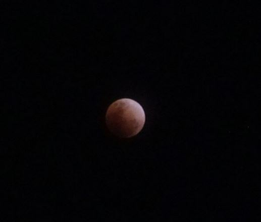 MUST SEE: Kapamilya Celebrities And Their Own Shot Of The Phenomenal Super Blue Blood Moon!