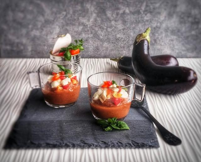 crema di melanzana con pomodoro, mozzarella e basilico