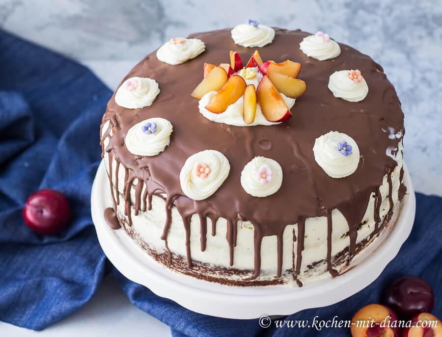 Schokoladentorte mit Mascarpone-Frischkäse Creme