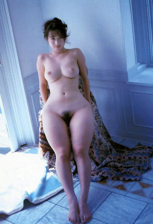 wide-hips-flat-chest-xxxbunker-avril-lavigne-sex-nude