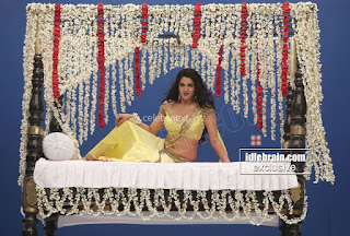 Sakshi Chodary in Yellow Transparent Sareei Choli Spicy Pics 20 .xyz.jpg